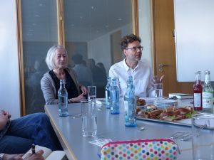 Susann Pasztor und ihr Lektor Olaf Petersenn.